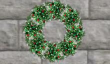 Holly & Stars Mesh Wreath