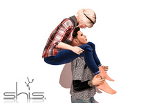 shi.s.poses kisses my forehead pose - NO BENTO