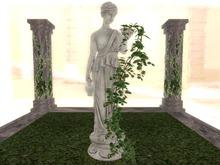 Ivy Lady - Statue