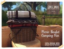 Classic Picnic Basket Camping Fun ♥ CHEZ MOI