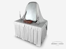 Ordem da Rosa - Pompadour Dressing Table