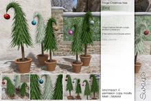 Sway's [Eira] Fringe Christmas Tree