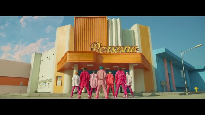{Co} BTS (Boy With Luv) feat. Halsey