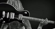 Jess Pose Guitare Dos