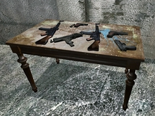 Weapons Table - 5 Prims only
