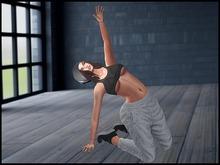 Jess Pose Bento Hip Hop 2