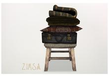 ZIMSA // Stool w Suitcase/Blankets -AUTUMN-
