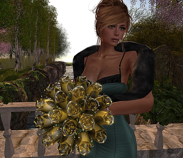 CJ Rose Bouquet Glamour Gold