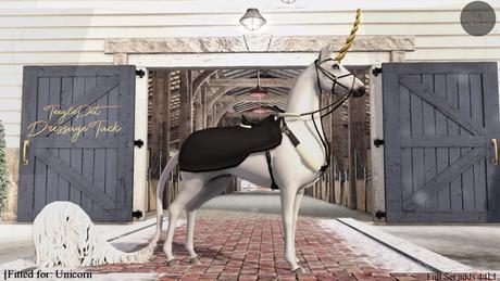 Cheval D'or - TeeglePet Unicorn - Millie Jumping Set. (Box)