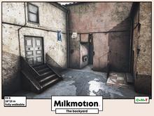 (Milk Motion) The backyard