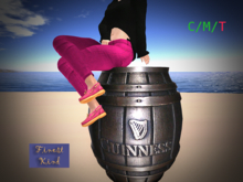 Guinness Barrel Radio w/Pinta Giver! 19 stations!