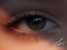 LU Cosmetics - Bella Eyes Dark Green