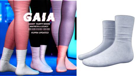Gaia - danny fluffy socks//sky