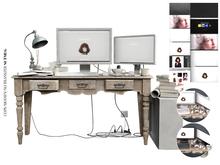 Nutmeg. Familiar Mess Desk Natural