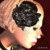 tomoto, corsage des fleurs noires