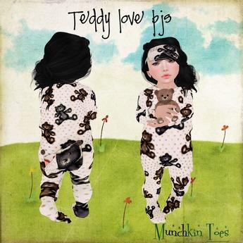 *Munchkin Toes* Teddy love pjs