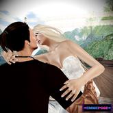 EmmePose Kiss me again